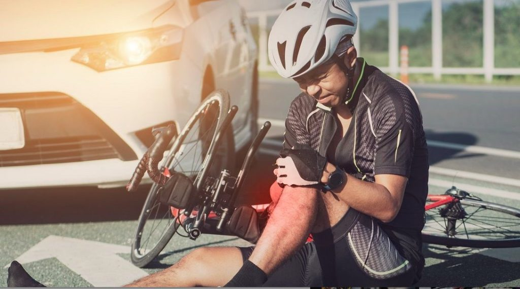 Knee Pain Chiropractor in Chicago for Bike Accidents & Cyclist's Knee Treatment
