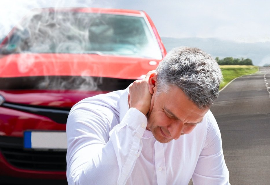 Neck Pain Treatment in Chicago - Auto Accident Whiplash Symptoms