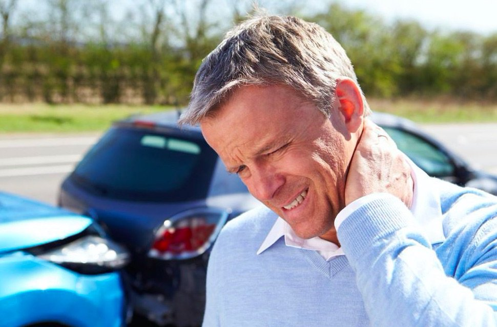 Treat Whiplash Symptoms in Chicago with Advanced Spinal Care